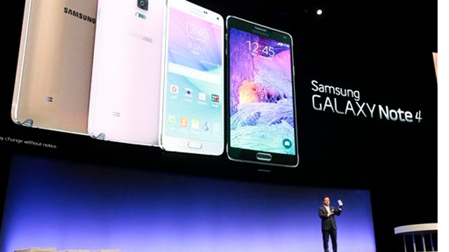 Demo: New smartphones and must-have accessories