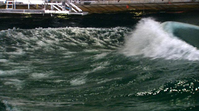 US Navy uses giant wave pool to test new ships