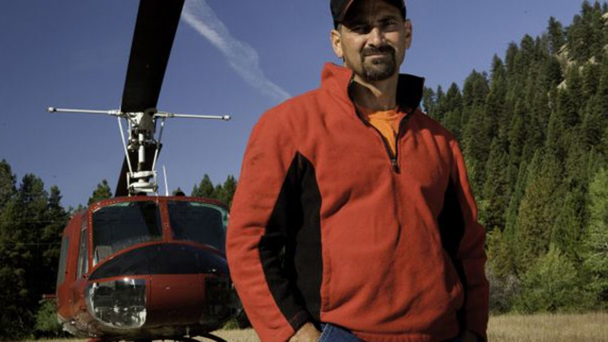 A star of History's 'Ax Men' died in a plane crash in Oregon.