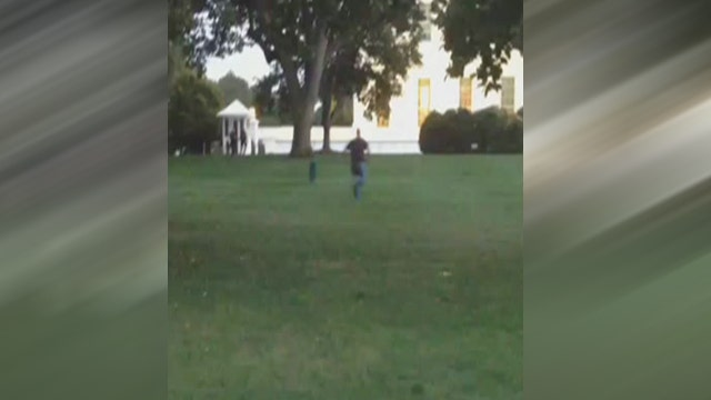 Raw Video: Man jumps the fence at the White House