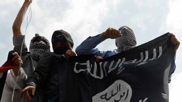 Former CIA official: Attacking ISIS ups threat against US