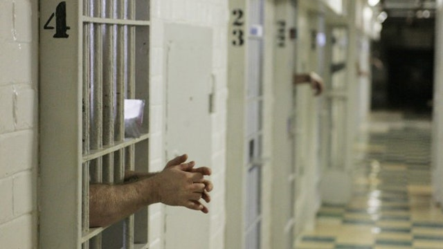 California weighs measure to overhaul justice system