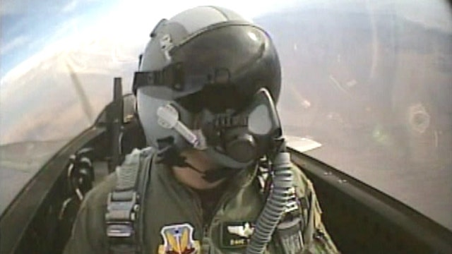 Flashback: Greta chases an F-22