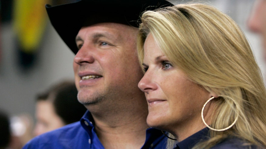 Brooks' sweet surprise for wife Yearwood
