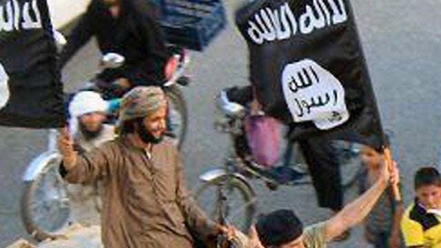 Report: Islamic State fighters 'at the gates' of Baghdad