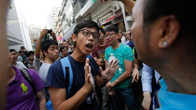 Student leaders agree to talks with Hong Kong lawmakers