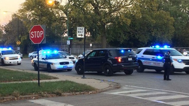 Police captain shot in head during standoff in Chicago