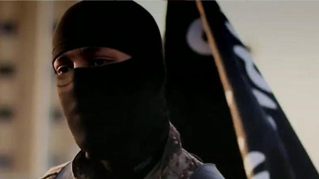 Is terrorist in ISIS beheading video an American?