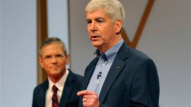 Mich. poll shows Gov. Snyder pulling ahead of Dem. opponent