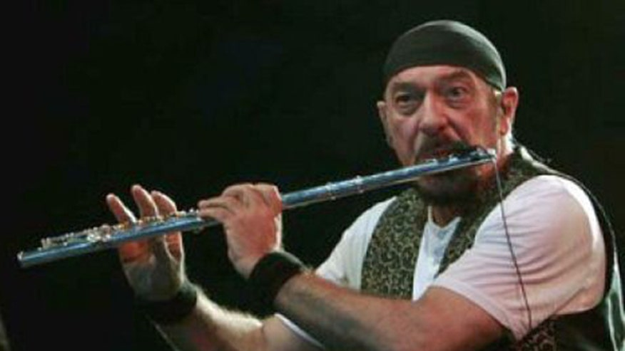 Jethro Tull frontman tours with new album