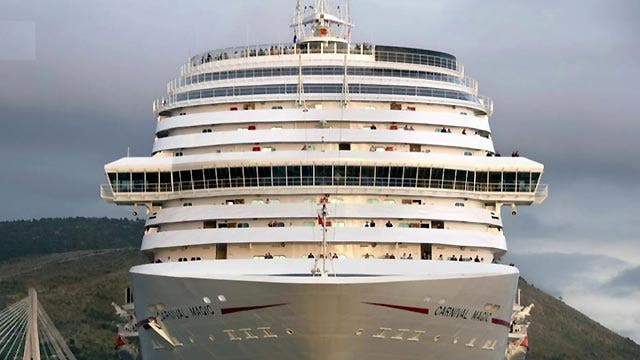 Dallas lab worker voluntarily quarantined on cruise ship
