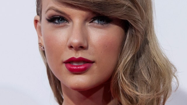 Taylor Swift stands up for bullied fan