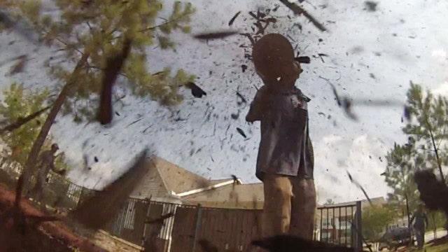 Blowing Mulch Bringing Cash