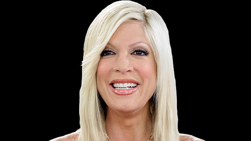 Tori Spelling revealed she--like everyone else in Hollywood--has a sex tape.  Plus, Pam's hair and homewreckers.