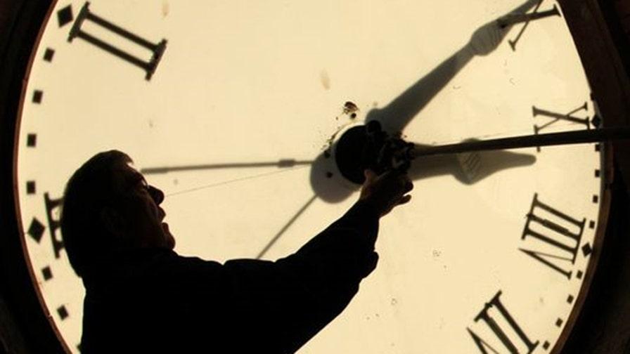 Clocks set to 'fall back' on Sunday