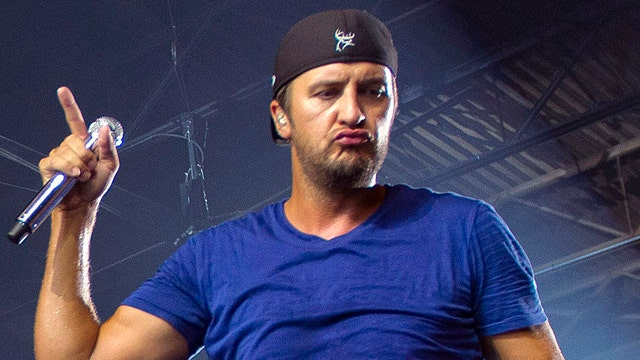 Luke Bryan takes FOX411 Country backstage at the CMAs