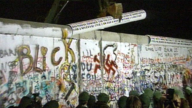Germany marks 25 years since fall of Berlin Wall