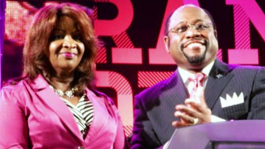 Evangelist Myles Munroe killed in crash along with wife, daughter