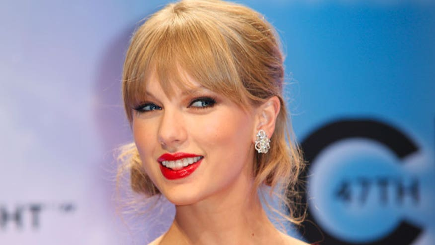 Taylor Swift scores a spot in the Victoria's Secret Fashion Show.