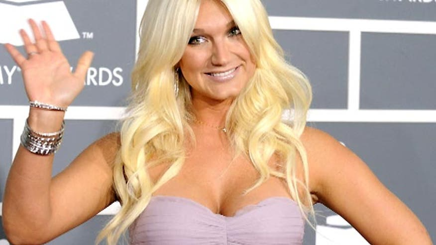 Brooke Hogan goes country
