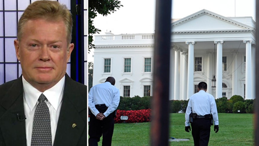 Review blames Secret Service blunders for White House intruder