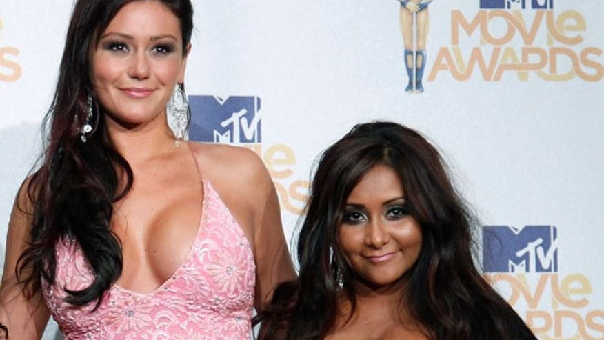 """Jersey Shore"" stars Snooki and JWoww show us what they'd look like as some of TV's most famous palS"