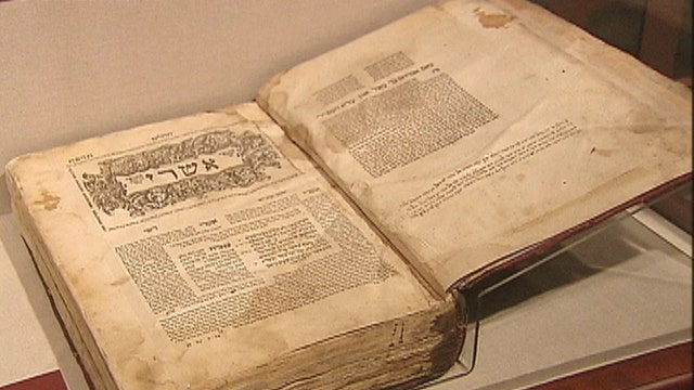 Trove of stolen Jewish treasures to be returned to Iraq