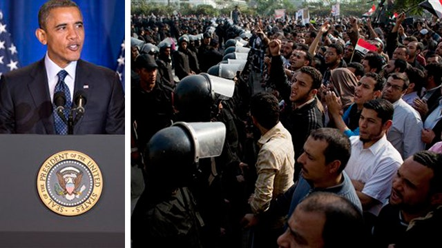 White House accused of downplaying Morsi's power grab