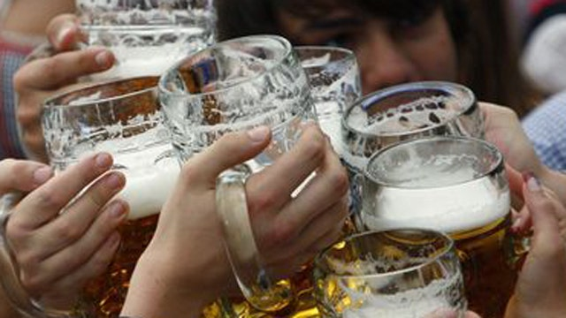 Churches offer beer, hymns to attract the faithful