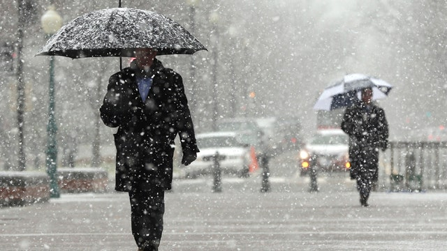 Storm slams East Coast, bringing up to 6 inches of snow