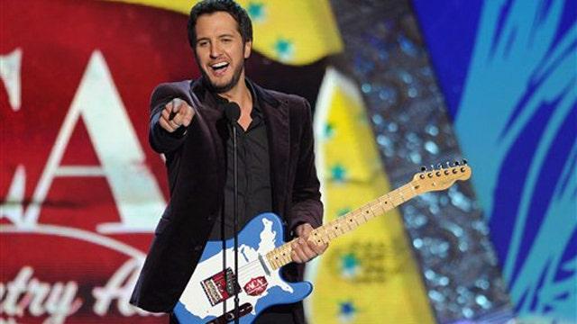 Luke Bryan wins big at American Country Awards