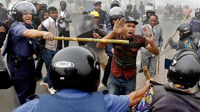 Around the World: Rioters, police clash in Bangladesh