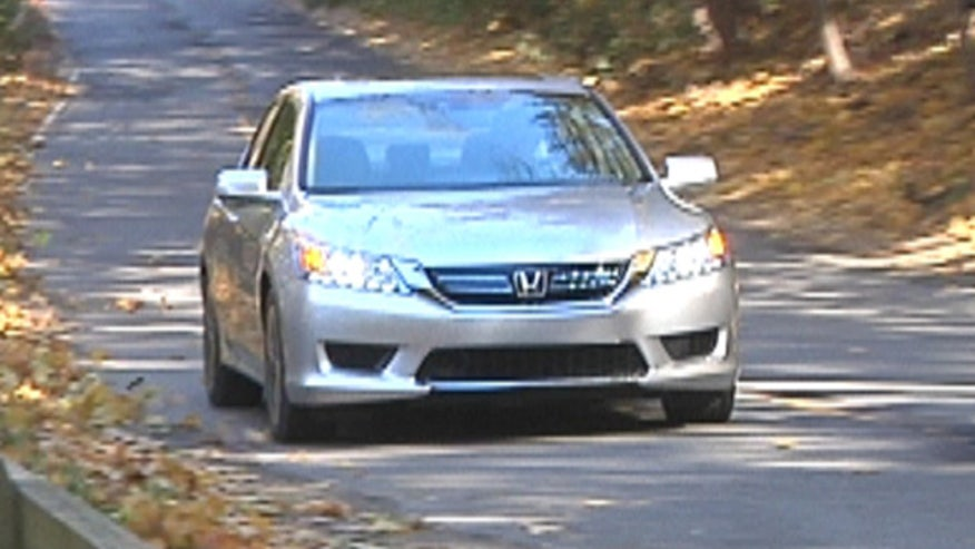 Fox Car Report drives the 2014 Honda Accord Hybrid.