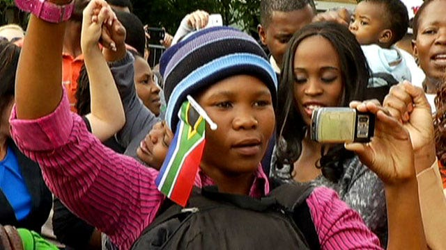 South Africa says goodbye to Mandela