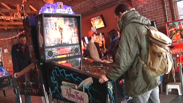 Old school pinball back in style