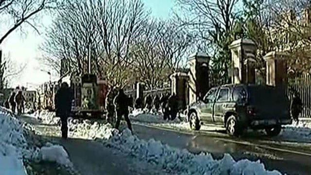 Bomb-sniffing dogs seen on Harvard campus