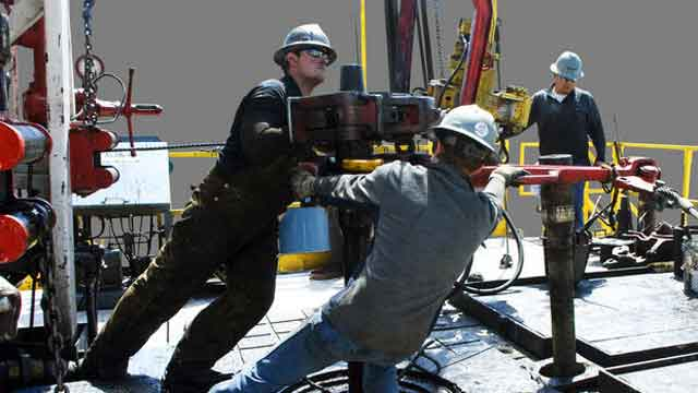 Energy Department weighs proposal to export natural gas