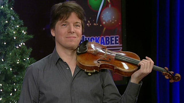 World-renowned violinist Joshua Bell plays 'Silent Night'