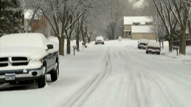 Blizzard warnings as snowstorm moves from Rockies to Midwest