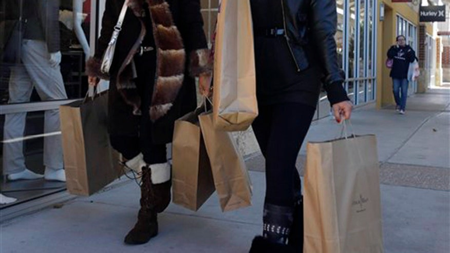 Report: Tax hike fears have holiday shoppers spending less