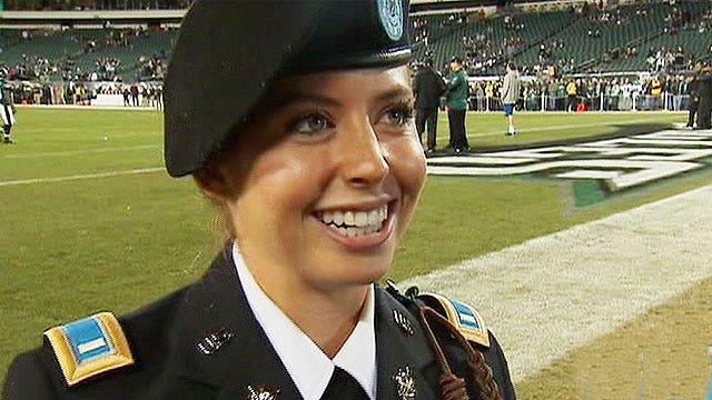 Philadelphia Eagles honor cheerleader turned soldier