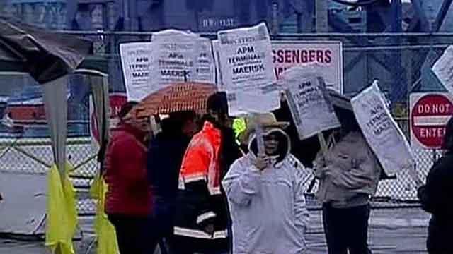Dock workers threaten East Coast, Gulf Coast strikes