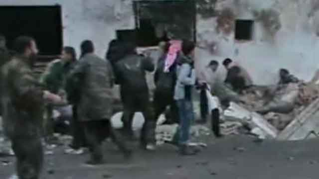 Report: Air strike kills dozens in Syria