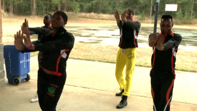 Dance group jeered at Christmas parade