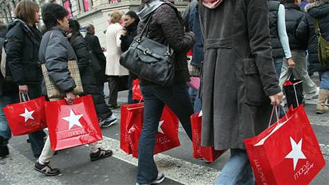 Post-Christmas shopping deals heat up