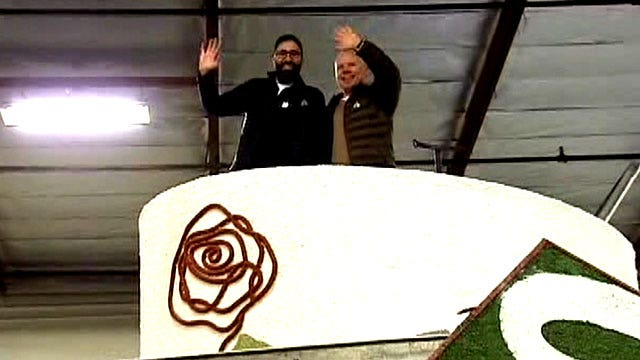 Gay couple to marry atop Rose Parade float