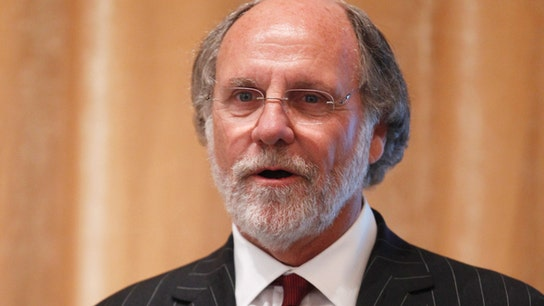 Jon Corzine's Wall Street comeback in jeopardy so far as hedge fund attracts trickle