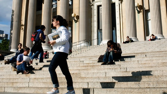 3 Tips to Limit Student Debt