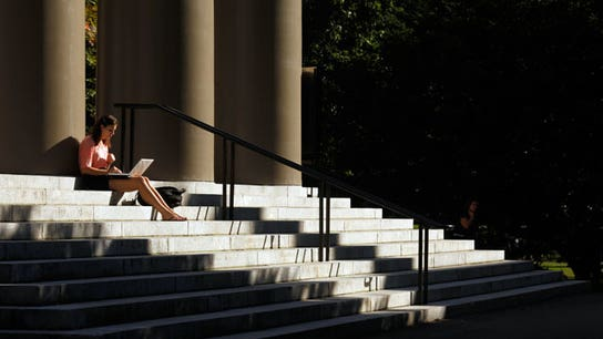 How to Navigate the New College Student Credit Card Landscape