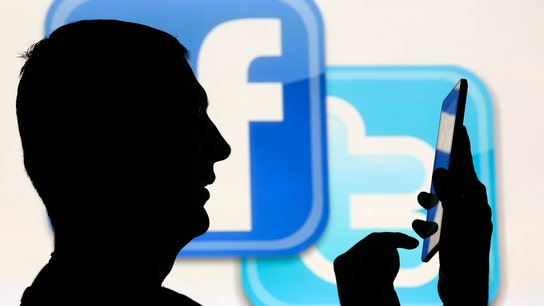 6 Strategic Tips for Employers to Recruit on Social Media